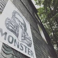 Monster am Bau
